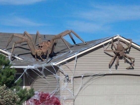 Strešná ozdoba pavúky