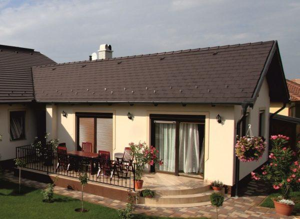 Sedlova-strecha-v-tvare-L
