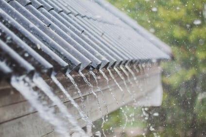 Dážď na streche