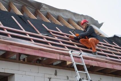 instalacia-hydroizolacie-pokryvac-na-streche-latovanie-stresna-folia