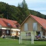 Domy so sedlovými strechami