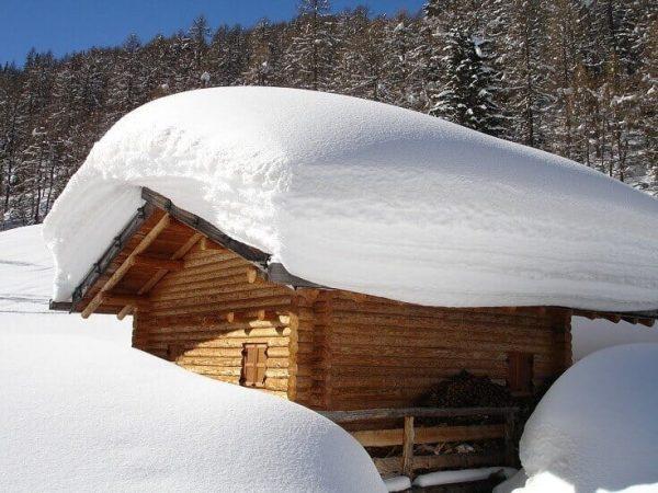 zabezpecenie_strechy_proti_zosuvu_snehu
