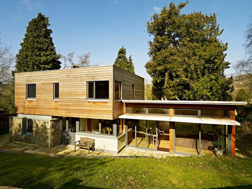 dreveny-Dom-s-plochou-strechou-terasa-a-zimna-zahrada