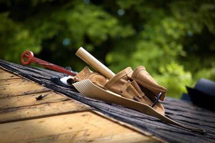 Najčastejšie problémy so strechou, ktoré si viete svojpomocne vyriešiť