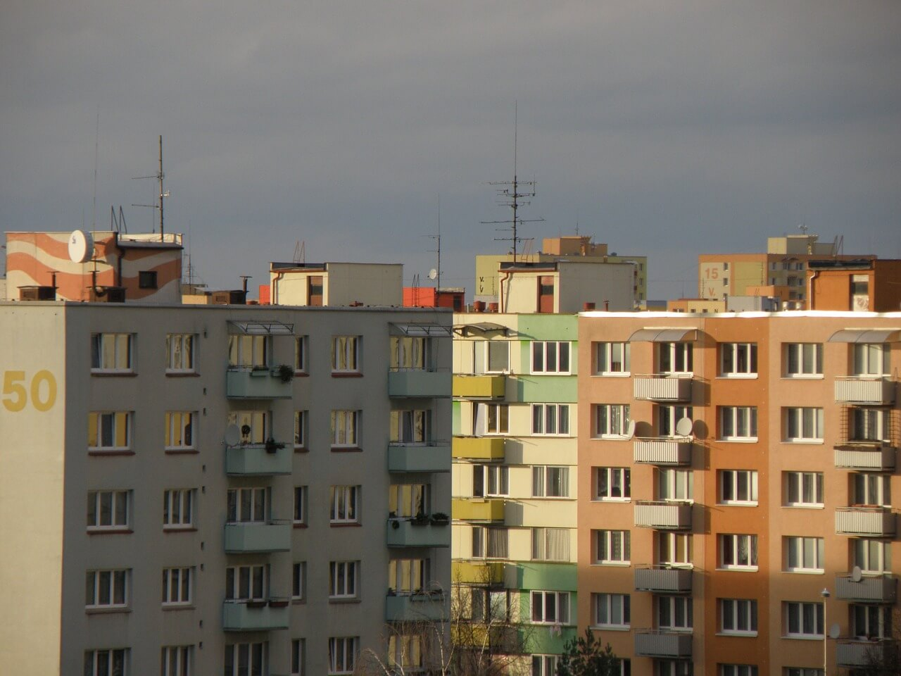 Sídlisko s panelovými bytmi