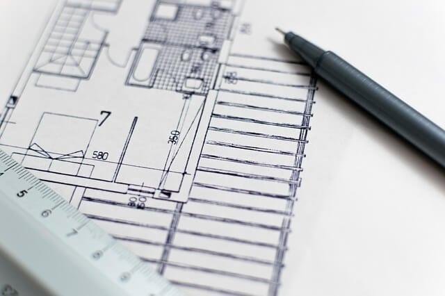 Stavebny-projekt-dokumentacia-pero-pravitko-rysovanie-stavba-domu