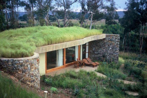 zelena-eko-strecha-dom-s-terasou