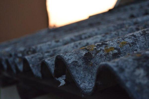 Eternitová strecha - nebezpečný azbest