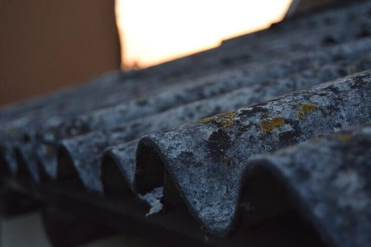 Eternitová strecha a nebezpečný azbest