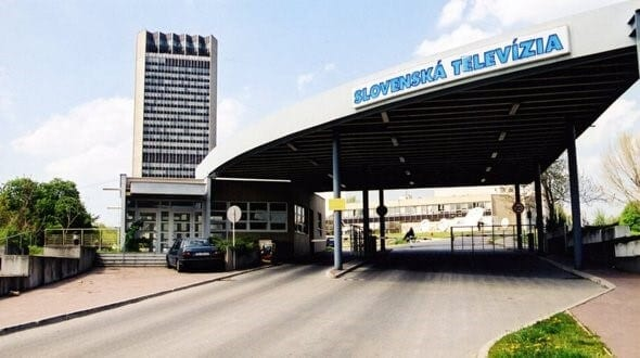 Budova-Slovenskej-televizie-STV-bratislava-vstup