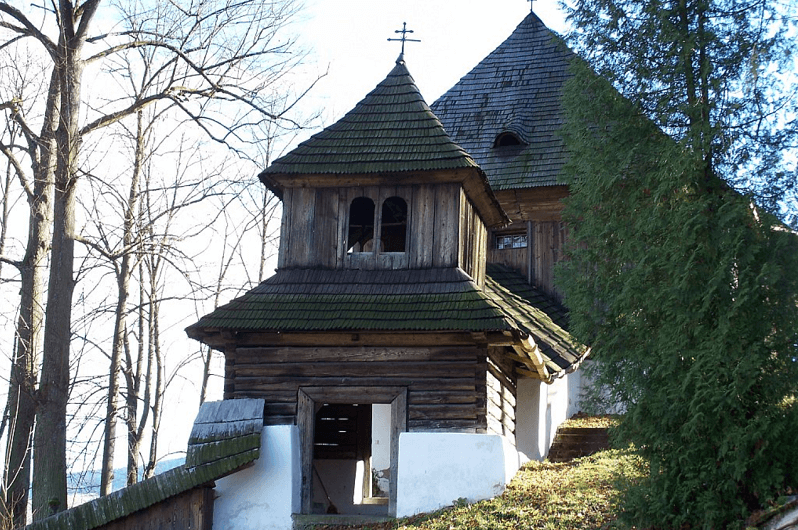 Dreveny-artikularny-kostol-Lestiny-pamiatky-slovenska-dolny-kubin