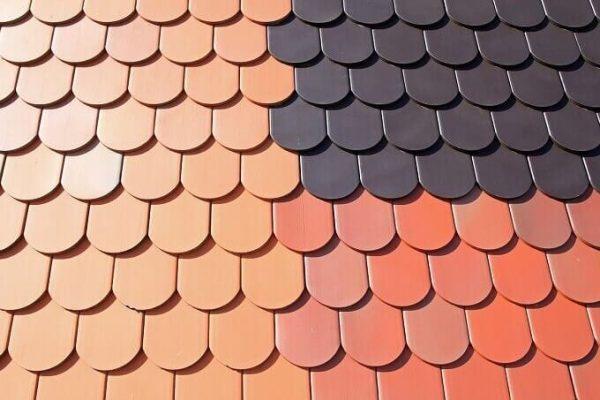 Vplyv farby a drsnosti krytiny