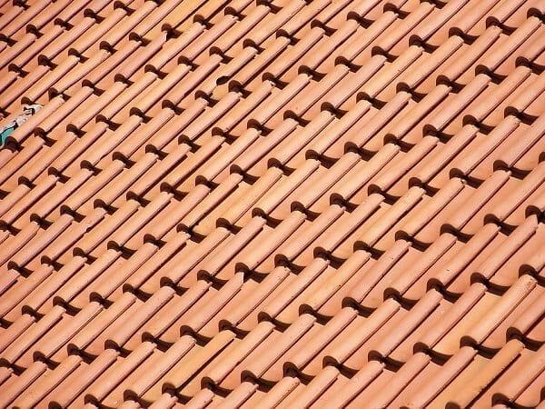 vypocet-sklonu-strechy-vzorec-krytina-skridla-detail