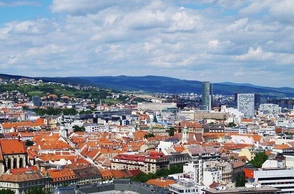 krytina-strechy-mesto-domy
