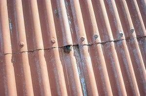 korozia-hrzda-na-plechovej-krytine-strecha