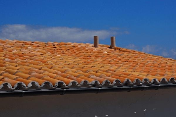 ako-vypocitat-sklon-strechy-detail-skridla-krytina