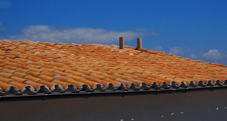 Ako vypočítať sklon strechy?