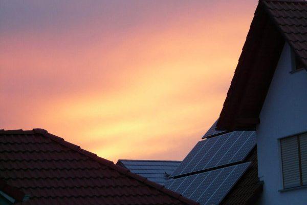 ako-znizit-vydavky-na-energie.-strecha-vychod-slnka