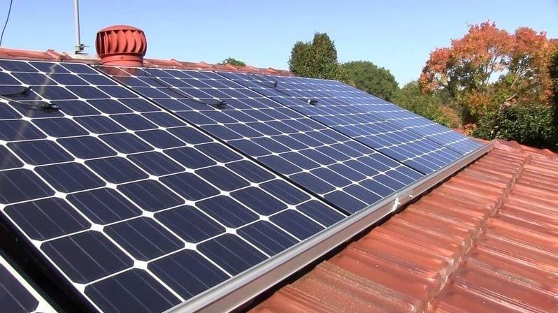 solarne-panely-na-streche-zdroj-solarnej-elektriny
