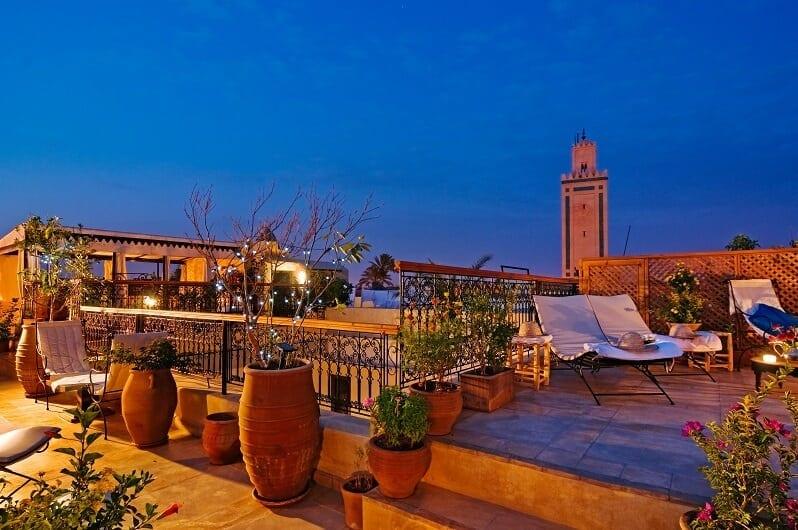 marakes-Casablanca-romanticka-restauracia-marakes-orient-strecha-terasa