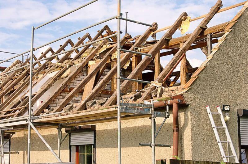 Odstránenie strechy – čiastočná a kompletná rekonštrukcia