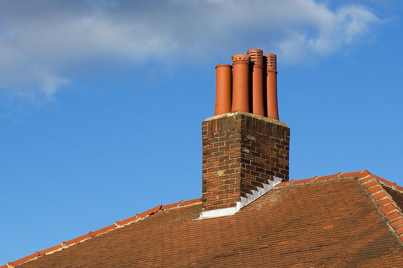 Renovácia komína a jej vplyv na strechu