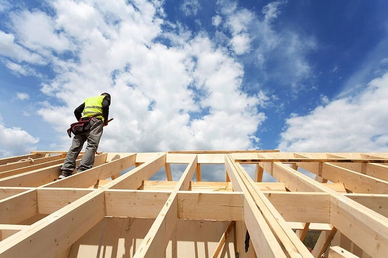 kde-usetrit-pri-stavbe-strechy-konstrukcia-strechy