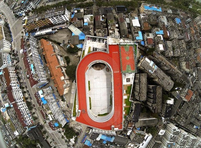 Tchien-tchaj-skola-stadion-strecha