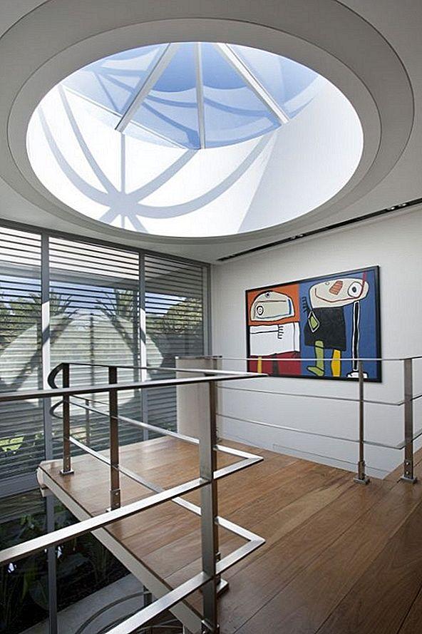 kopulovy-kruhovy-svetlik-interier