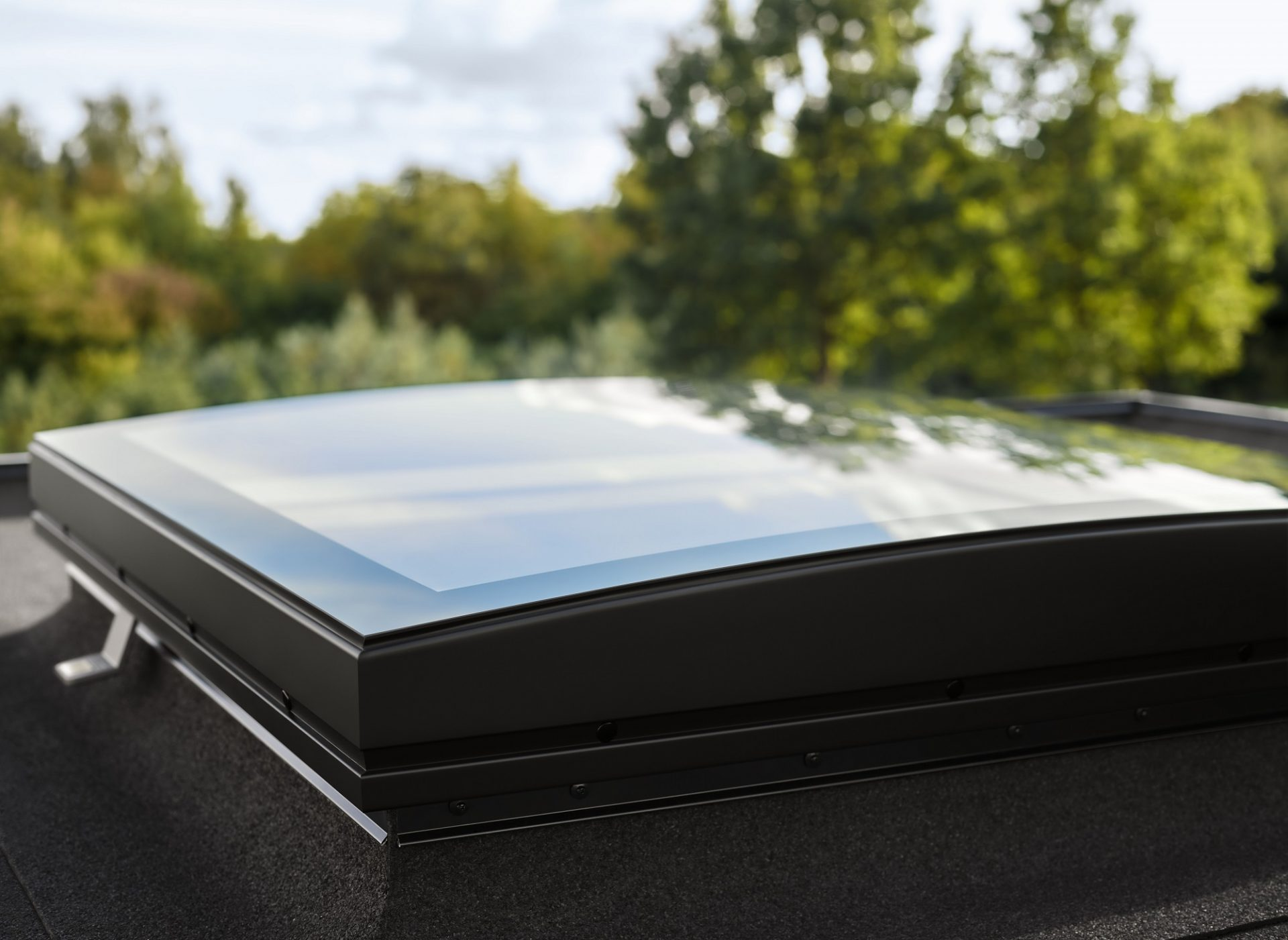 Svetlíky na streche – ktoré púšťajú najviac svetla a sú vhodné pre váš typ strechy?