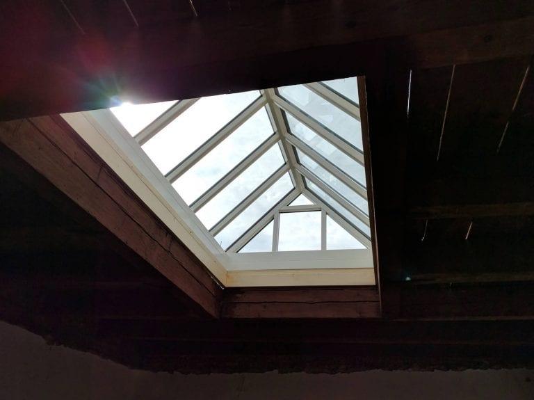 svetlik-na-streche
