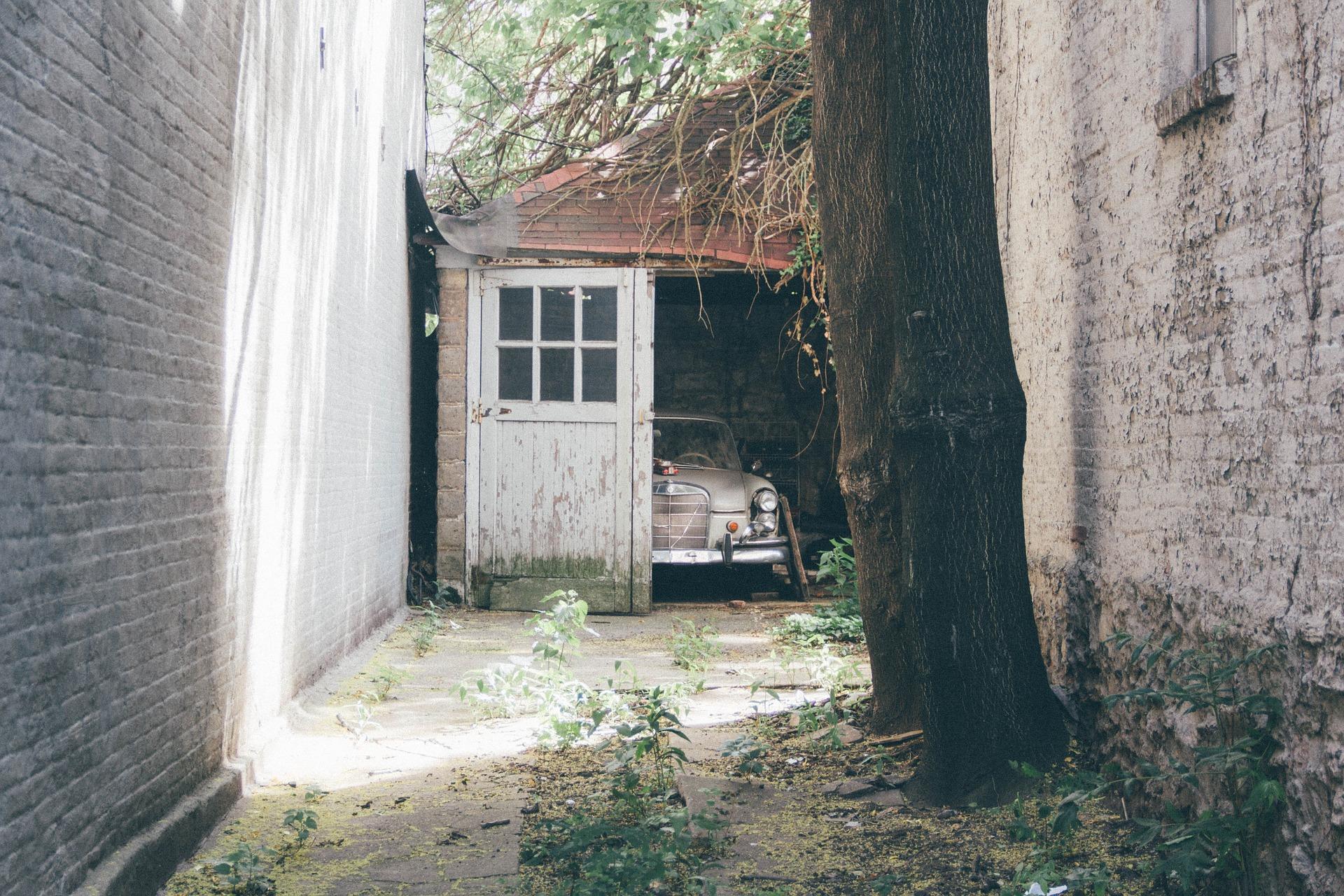 Oprava strechy garáže
