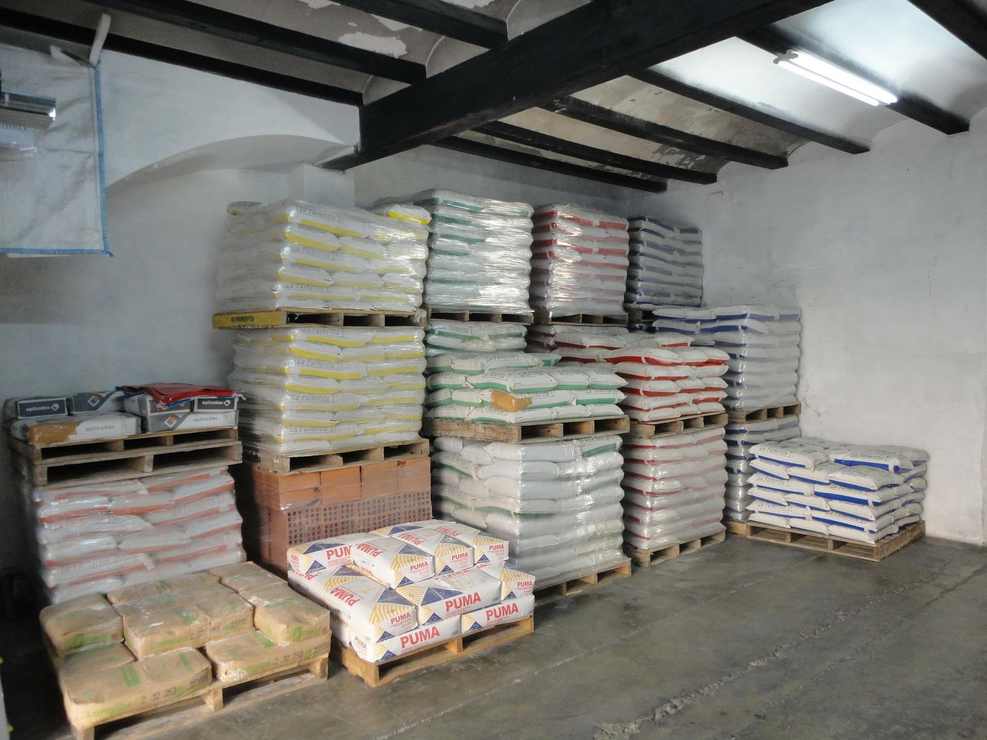 Ako skladovať stavebný materiál, aby sa nepoškodil?