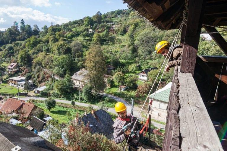 rekonstrukcia-pamiatky-strecha-budova-robotnici