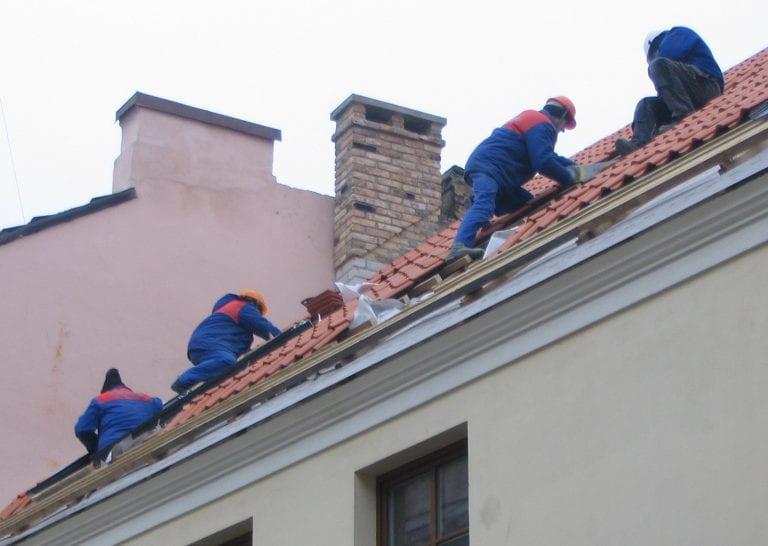 strecha-robotnici-udrzba-oprava