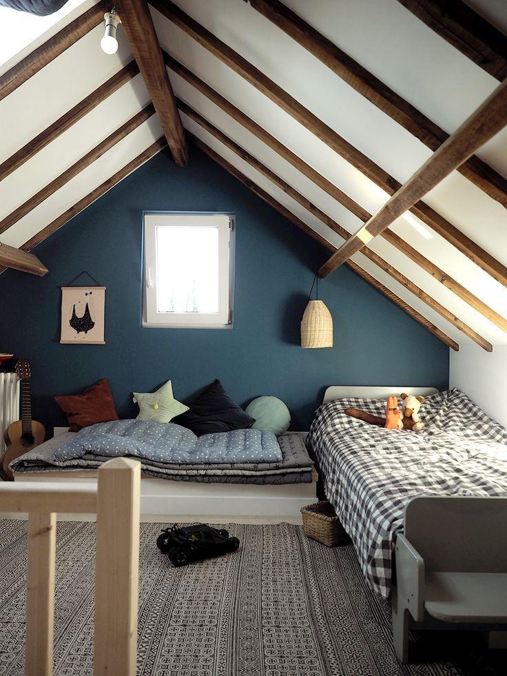 detska-izba-pavovomodra-interier-podkrovie