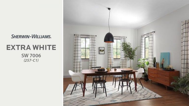 jedalen-okna-biele-steny-stol-stolicky-zavesy-dekoracie