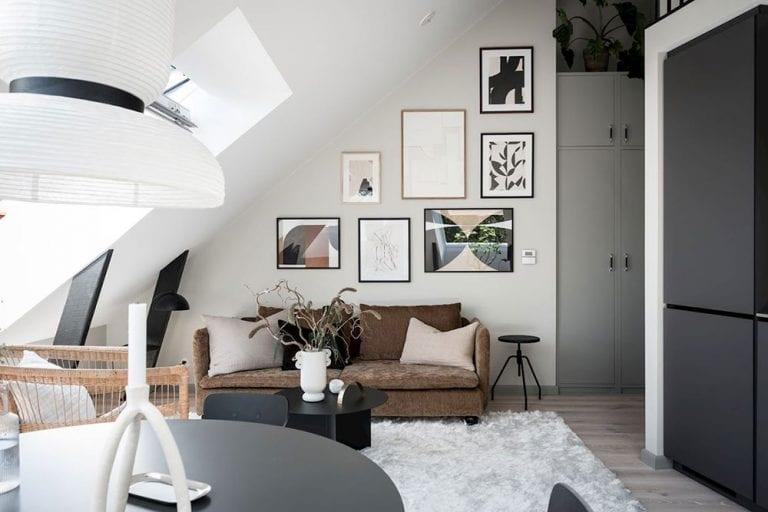 obyvacka-nabytok-moderne-byvanie-podkrovie-obrazy-gauc-vankuse